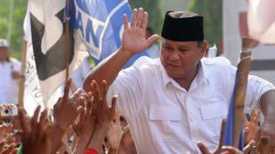 Prabowo Subianto en campagne à Banyumas, dans le centre de l'île de Java, le 2 juillet 2014.