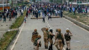 印度政府宣布正式廢除境內查謨及克什米爾邦(Jammu & Kashmir)的自治地位後,印巴衝突再起