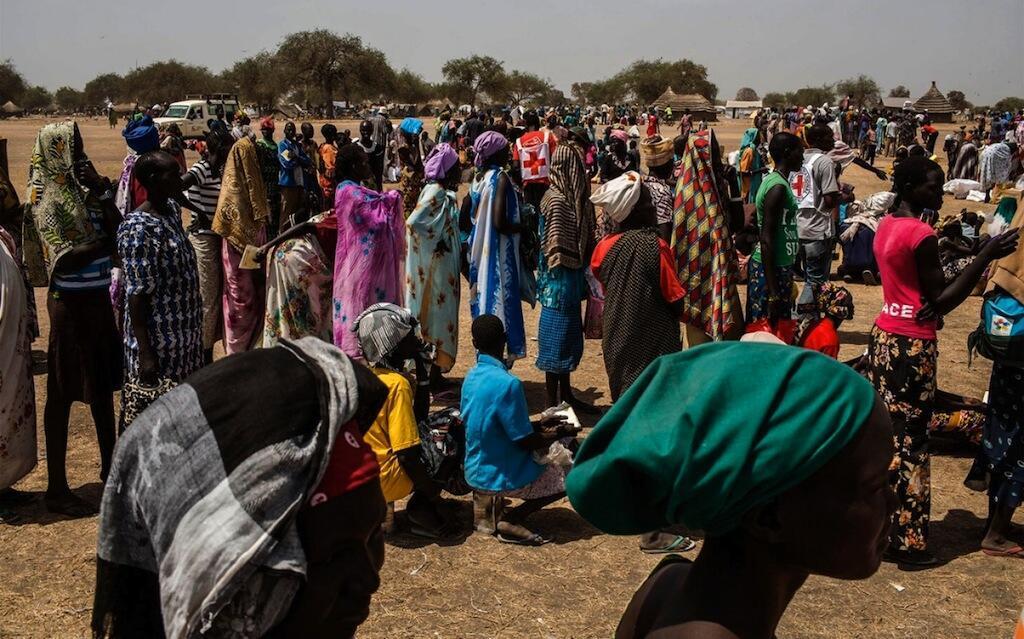 Rais wa Sudan Kusini wakisubiri msaada wa chakula