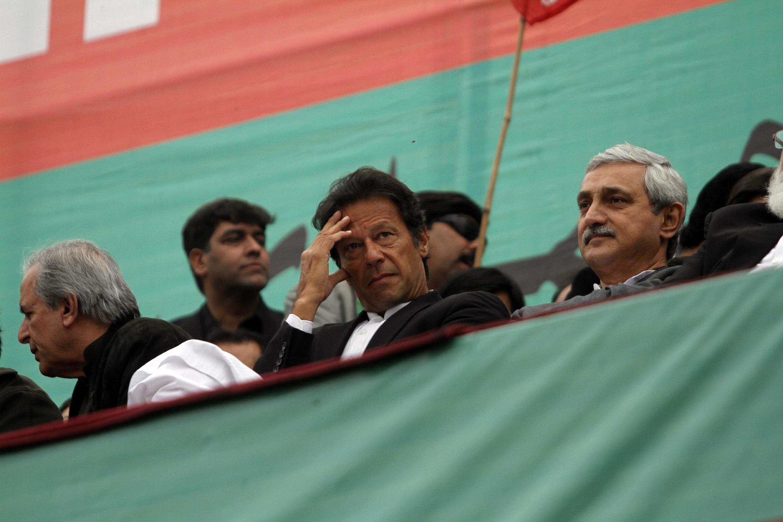 Imran Khan, chef du PTI, lors d'une manifestation destinée à protester contre les tirs de drones américains, à Peshawar, le 23 décembre.