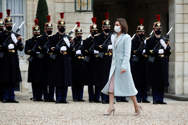 Недавно избранная президентом Молдовы Майя Санду побывала в Париже 3 и 4 февраля. Это первый за 24 года визит во Францию главы молдавского государства.