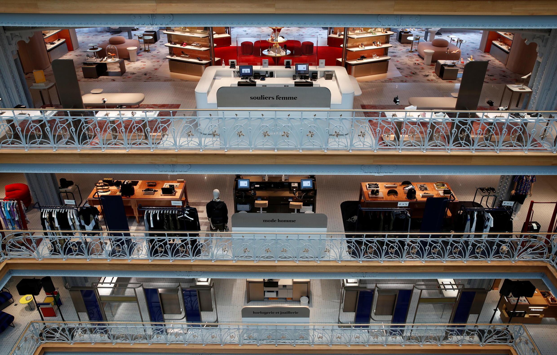 Hoy en día, el gran almacén sólo vende moda y cosméticos.
