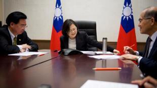 Cuộc điện thoại của tổng thống Đài Loan với Tổng thống tân cử Mỹ Donald Trump đã làm xáo động quan hệ Mỹ - Trung