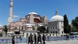 Les premières prières à Sainte-Sophie après sa transformation en mosquée se dérouleront ce vendredi 24 juillet (ici, le 11 juillet 2020).