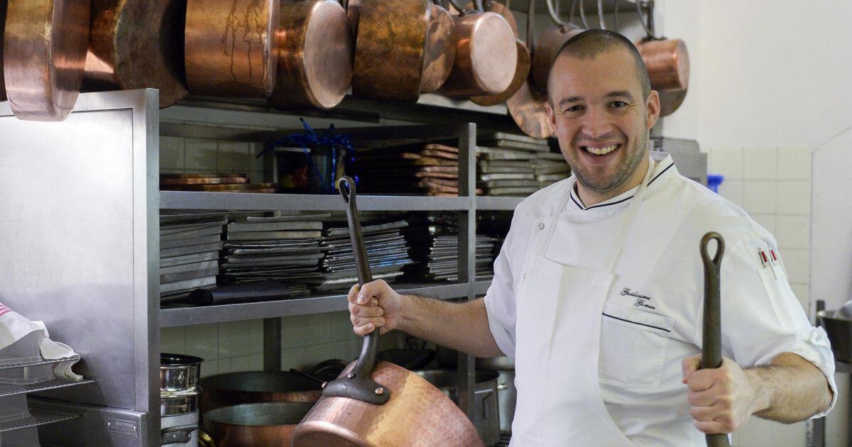 Шеф-повар Гийом Гомез работает на кухне Елисейского дворца с 1997 года