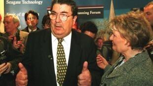 Le leader du SDLP en Irlande du Nord et Prix Nobel de la paix pour son rôle dans le processus de paix, John Hume, est décédé ce lundi 3 août 2020.