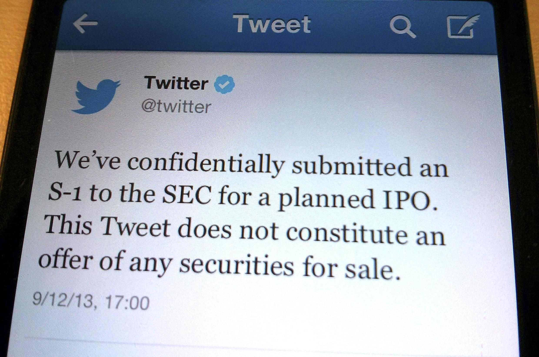 Um tuíte da empresa Twitter anunciando seu pedido de entrada na bolsa de valores.