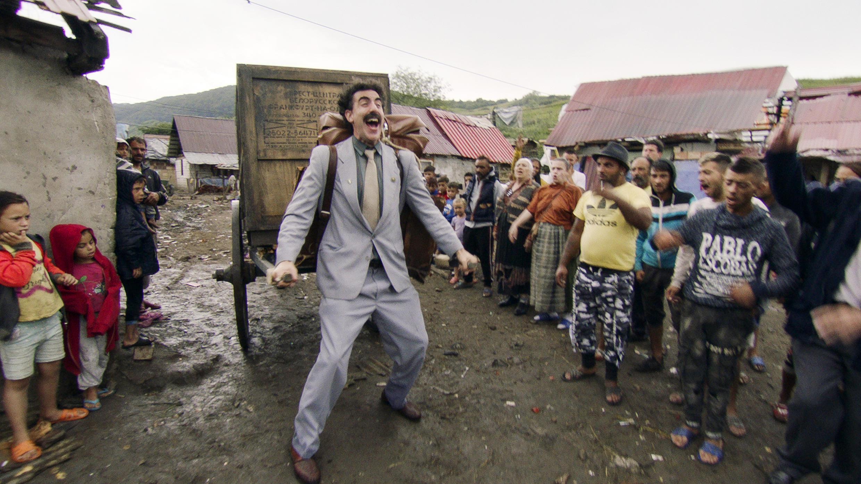 Лучшей комедией признана вторая часть нашумевшего в свое время фильма «Борат», а исполнивший главную роль актер Саша Барон Коэн назван лучшим комедийным актером года.