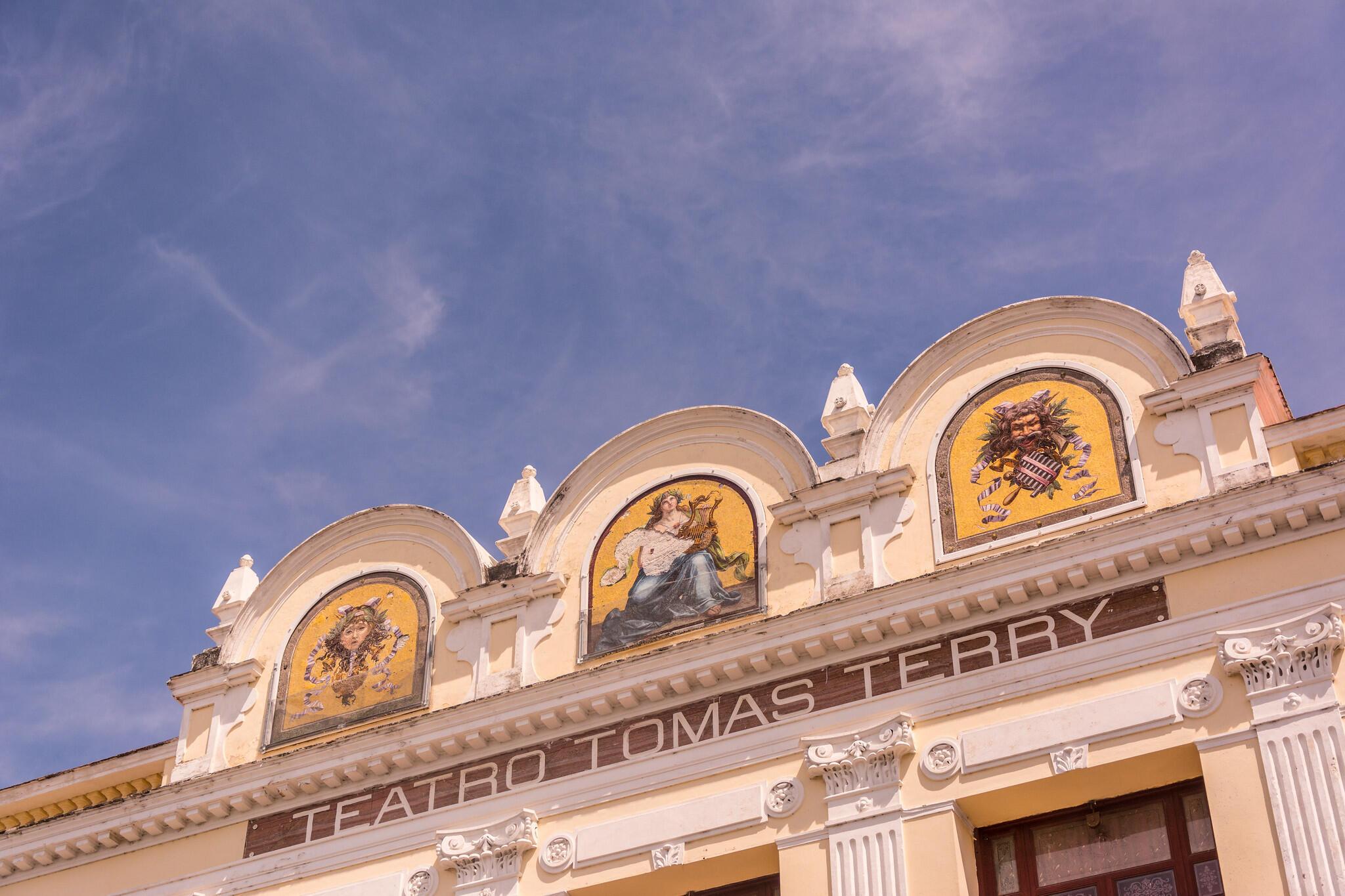 El Teatro Tomás Terry de Cienfuegos, antes de su renovación.