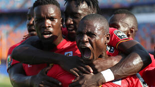 Les Ougandais, avec Patrick Kaddu au premier plan, face à la RD Congo, en Coupe d'Afrique des nations 2019.