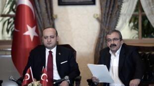 土耳其人民民主党领导人Sirri Süreyya Önder对外公布奥贾兰的声明 2015 2 28.