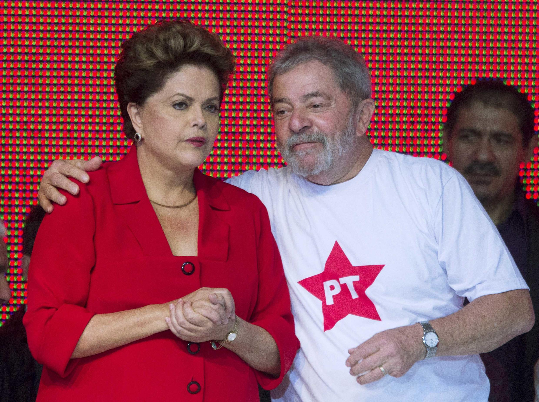 Dilma Roussef e Lula durante oficializaçao da candidatura da presidenta em outubro de 2014.