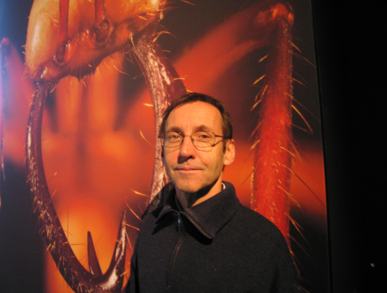 Pour Philippe Lavaivre, les fourmis se distinguent surtout par leur capacité à acquérir de l'expérience.