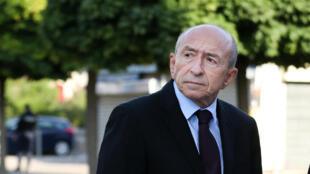 Le ministre français de l'Intérieur, Gérard Collomb, le 26 juillet dernier près de Rouen, en Normandie.