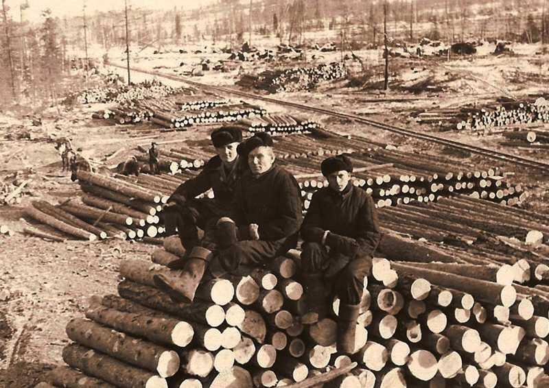 Image d'un goulag ou camp de travail forcé soviétique.