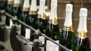 Le secteur dit avoir accusé pendant le confinement une perte de plus de 30 millions de bouteilles.