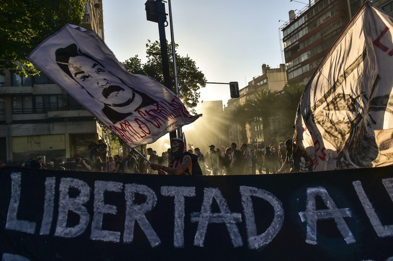 Una protesta en Santiago el 18 de octubre de 2021, al cumplirse dos años del estallido social en Chile