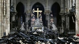 Interior da Catedral de Notre-Dame. 16 de Abril de 2019, um dia depois do incêndio.