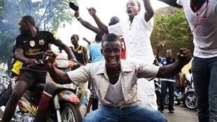 Pro-putsch demonstrators in Bamako Wednesday