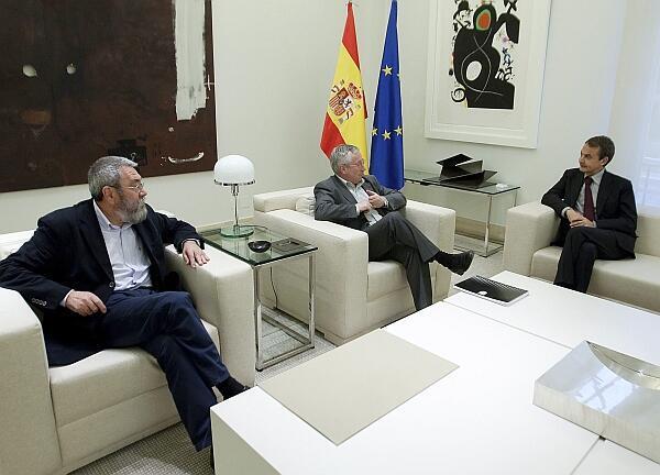 Zapatero se reunió  con los representantes sindicales de  UGT y Comisiones Obreras.