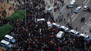 Полиция блокирует шествие ультраправых в Хемнице, 1 сентября 2018 г.