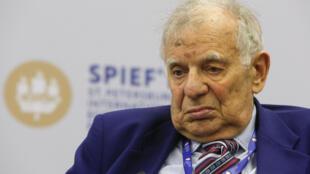 Лауреат Нобелевской премии по физике академик Жорес Алферов