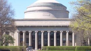 美國麻省理工大學校樓
