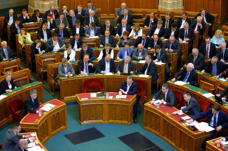 Nghị trường Hungary trong một cuộc bỏ phiếu thông qua luật giáo dục, Budapest ngày 04/04/2017.