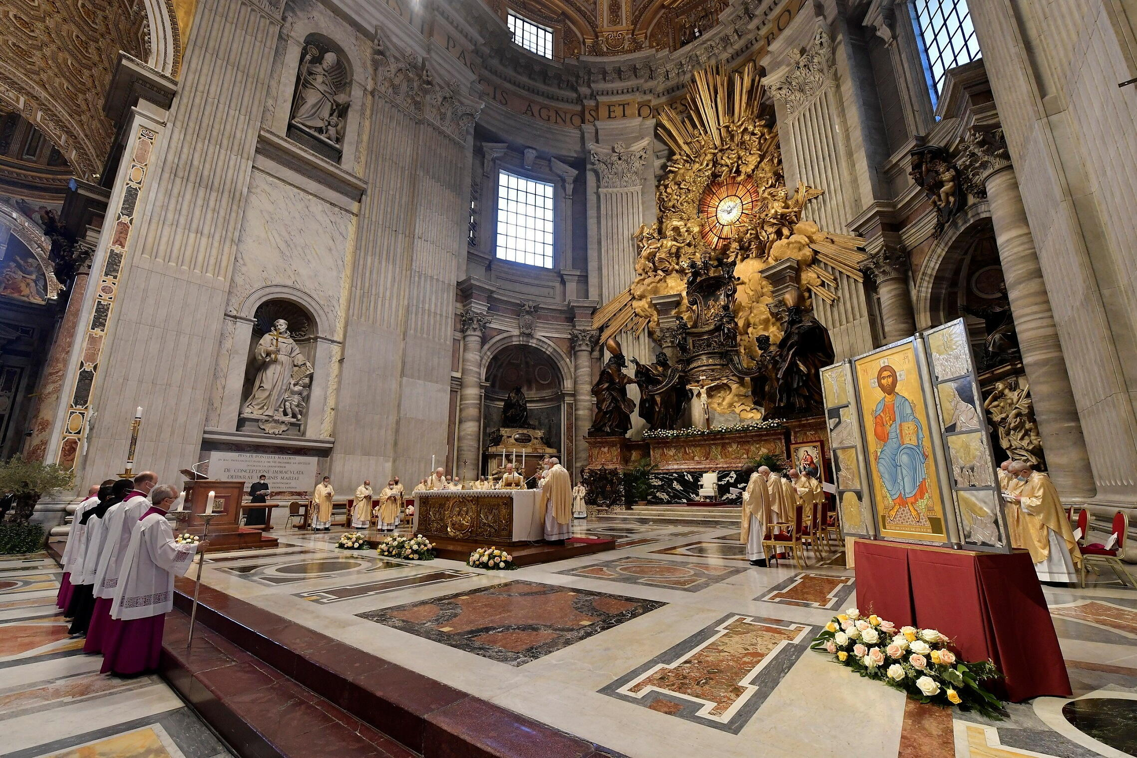 04/04/2021 11:22 RELIGION-EASTER/POPE Pope Francis celebrates the Eucharist during Easter Sunday Mass at St. Peter's Basilica at the Vatican Pope Francis celebrates the Eucharist during Easter Sunday Mass at St. Peter's Basilica at the Vatican April 4, 2021. Vatican Media/Handout via REUTERS ATTENTION EDITORS - THIS IMAGE WAS PROVIDED BY A THIRD PARTY.2021-04-04T092231Z_306289742_RC2XOM91UXP5_RTRMADP_3_RELIGION-EASTER-POPE