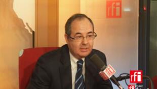 Zvi Tal , ministre plénipotentiaire de l'Ambassade d'Israël en France.