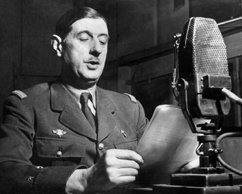 General de Gaulle lors de son discours à la BBC, le 30 octobre 1941, à Londres.