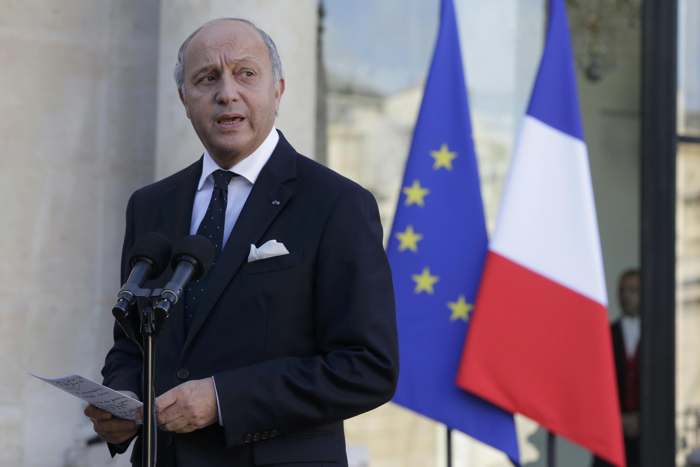 O ministro francês das Relações Exteriores, Laurent Fabius, se encontra com chefes da diplomacia em Paris para discutir conflito na Faixa de Gaza.