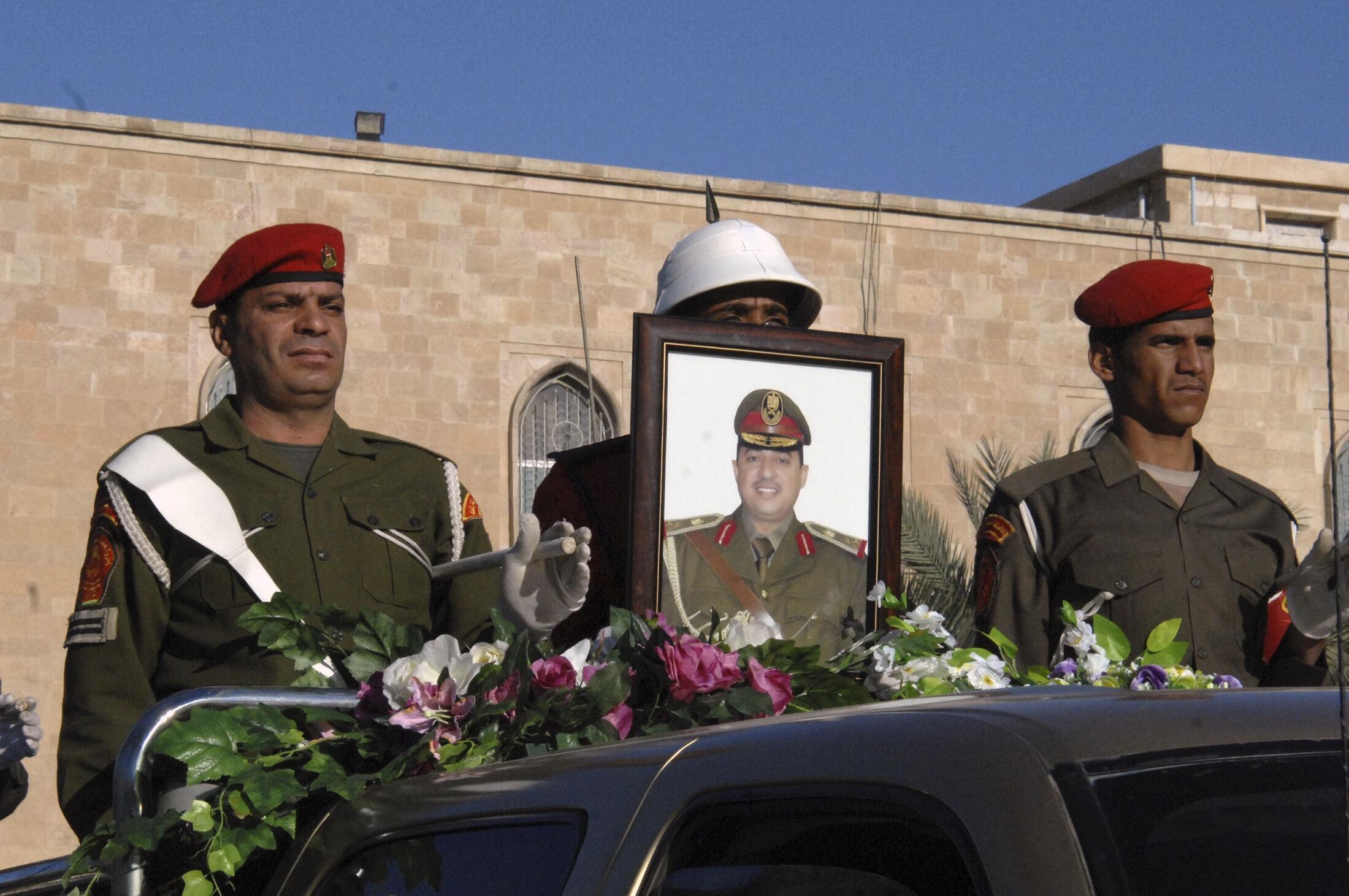 """مراسم تشییع جنازه """"سر لشکر محمد الکروی""""- رهبر عملیات حمله به شبهنظامیان القاعده در غرب انبار"""