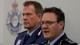 Les reponsables de la police australienne lors de leur conférence de presse suivant l'arrestation de suspect menaçant de commettre un attentat dans un avion partant de Sydney, le 4 août 2017.
