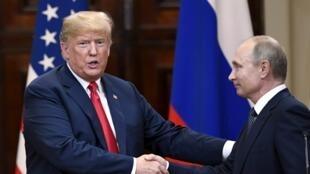 存档图片:特朗普与普京2018年7月16日赫尔辛基