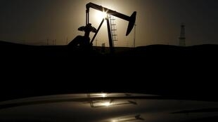 Os países que mais sofreram com a queda do preço do petróleo, como é o caso de Angola, seguem com expectativa o desenvolvimento deste acordo.