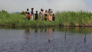 Habitants du lac Nokoué.