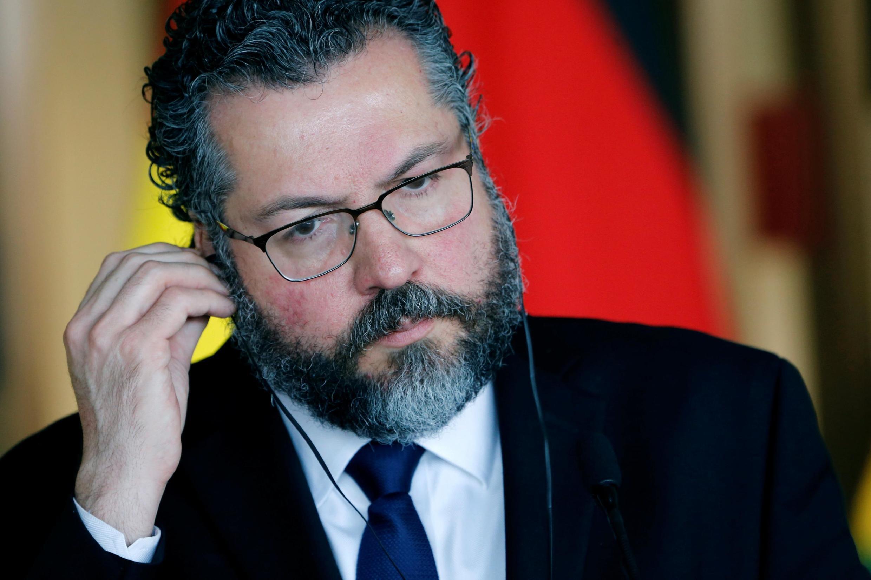 O chanceler Ernesto Araújo começa sua agenda em Paris no final do dia.