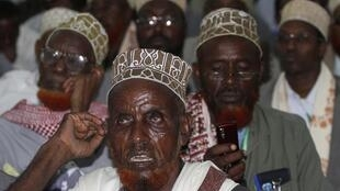 Wajumbe wa kutoka koo mbalimbali  nchini Somalia katika ufunguzi wa kikao cha Bunge la Katiba Julai 25 mjini Mogadishu.