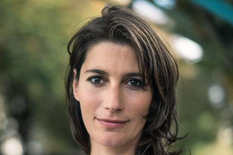 Portrait de la romancière Estelle Nollet.
