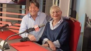 La artista argentina Mili Presman con Jordi Batallé en RFI