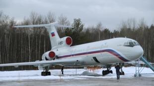 Самолет Ту-154 в аэропорту Чкаловский, 15 января 2015.