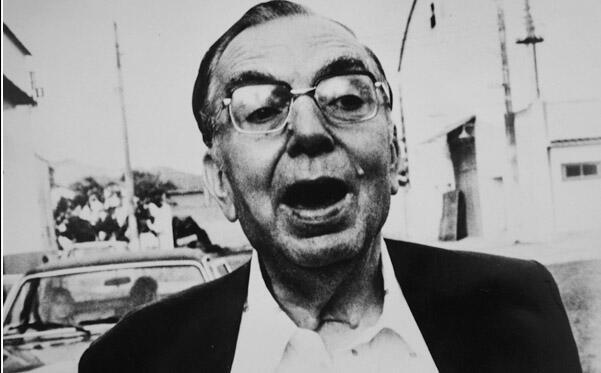 O escritor de dramaturgo brasileiro Nelson Rodrigues, cujo centenário de nascimento é celebrado em 2012.