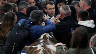 French President Emmanuel Macron meets with large crowds at the International Agriculture Fair (Salon de l'Agriculture), where he pleaded for a reform of Europe's Common Agricultural Policy (CAP), 23 February 2019.