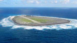 L'île Tromelin est une île française de l'ouest de l'océan Indien à l'est de Madagascar et au nord de l'île de La Réunion.