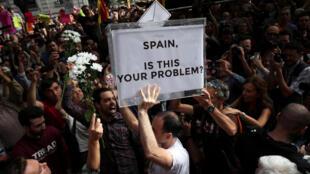 Người dân Catalunya biểu tình tại Barcelona, ngày 20/09/2017.