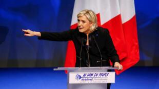 Marine Le Pen lors de son meeting à Lyon, le 5 février 2017.