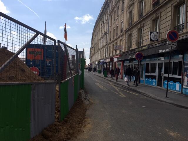 Rue d'Alsace, em Paris.