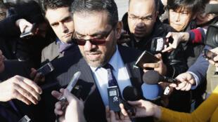 Đậi diện phái đoàn đối lập Syria trả lời báo chí sau cuộc gặp trực tiếp với đoàn chính phủ Syria ngày 25/1/2014 tại Genève.