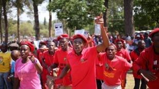 Des membres du mouvement Combattants pour la liberté économique ont manifesté à Pretoria, le 30 septembre 2015.